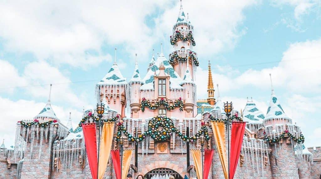 Vui chơi tại Công Viên Disneyland