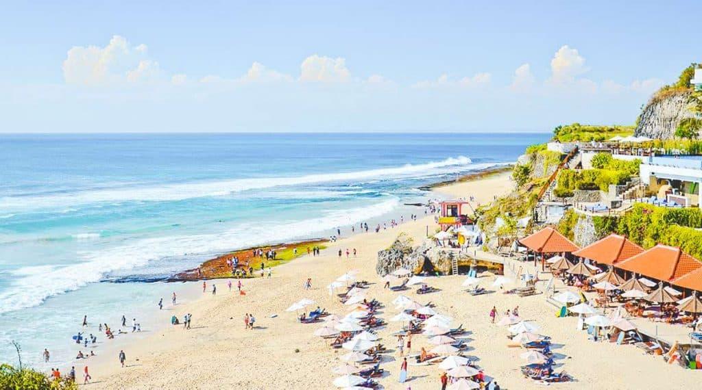 Kết quả hình ảnh cho bãi biển Jimbaran