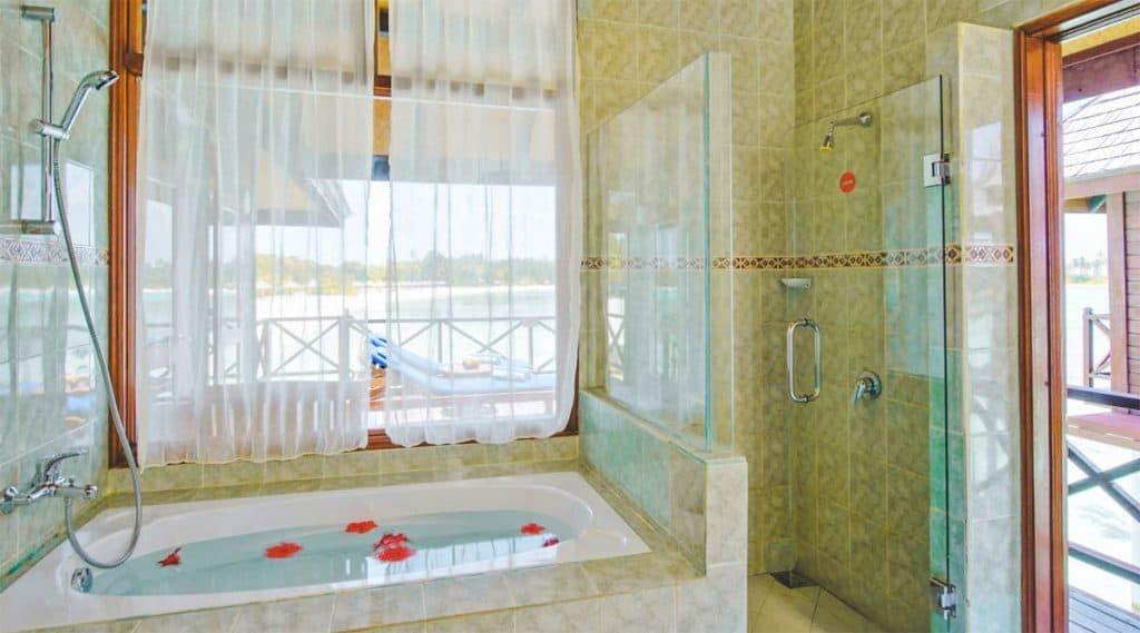 Olhuveli deluxe water bungalow